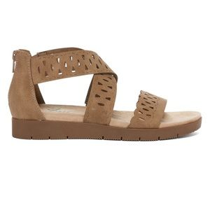 Yuu Woman's Strappy Sandals
